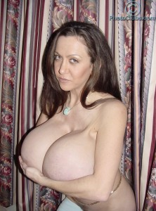 milf sexy babe Casey James showing her super large Breasts