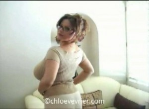 cute babe Chloe Vevrier new Video The Therapist