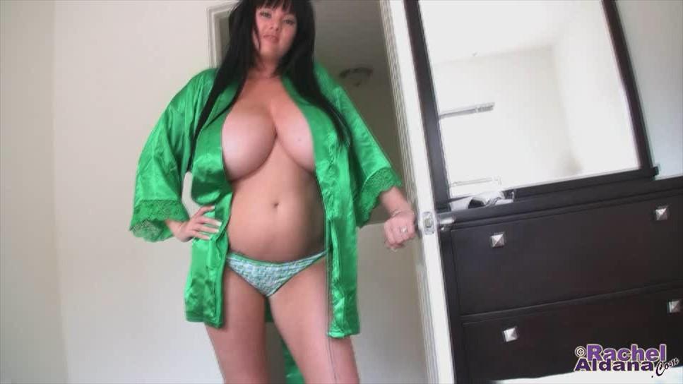 Hot Rachel Aldana new movie -last update at rachelaldana.com