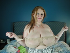 busty girl Sapphire big boobs photo by 2busty.net blog