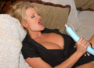 busty kelly madison new photo set