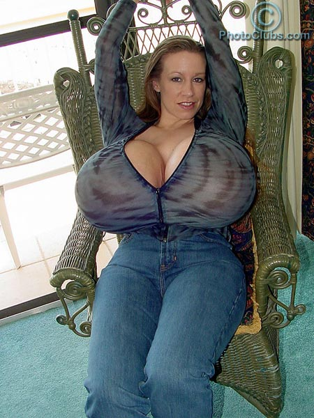New pics of massive titted Chelsea Charms – Collectors only