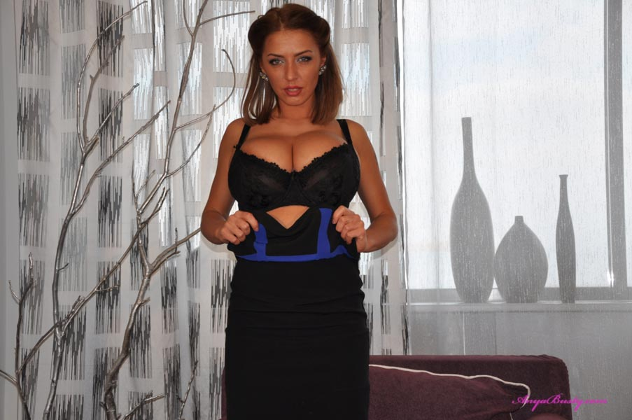 The fabulously busty 32G Anya – Hot babe of the Day