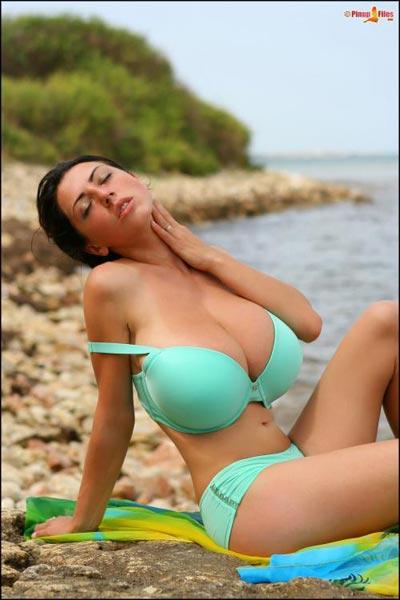 Big boobie babe Anya Zenkova with new gallery in PinupFiles