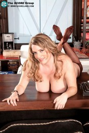big busted MILF Maggie Green
