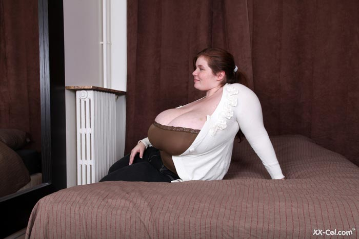 Giant boobed lexxxi luxe gets fucked from behind 6