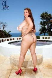 big tits natural babe