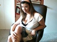 busty brunette babe alixxxxx