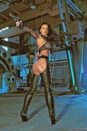 Actiongirl Veronica Zemanova