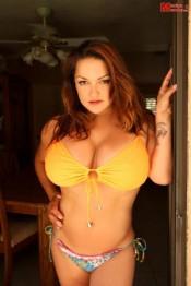 busty girl Monica Mendez