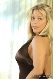 blonde milf amber lynn