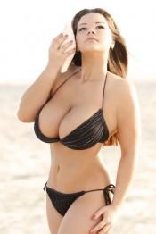 Мия Зарринг aka Mia Zapping bikini