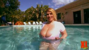wet boobs Renee Ross video