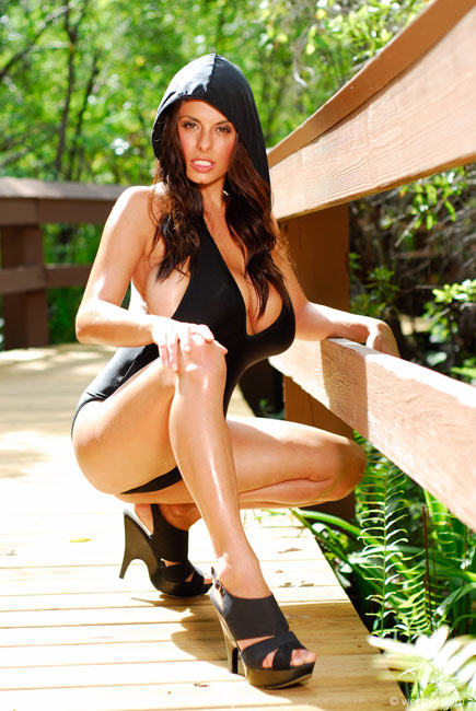Wendy Fiore – hot new pics from a wonderful attractive woman
