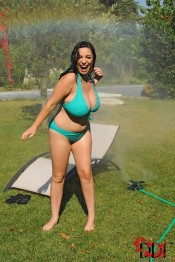 wet boobies Michelle Bond