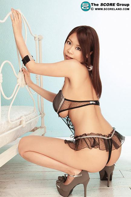 AV idol Ria Sakuragi with an impressive debut for Score