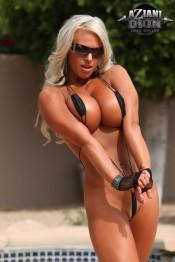 topless fitness Megan Avalon