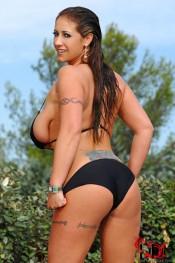 bikini busty model