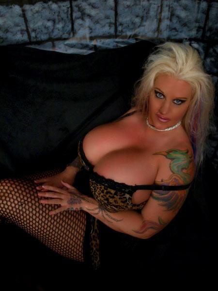 Cathy Metal Heavy Metal Lover With Huge Boobs