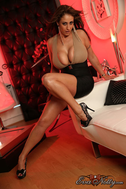 Eva Notty – Beautiful milf with huge breasts