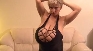 abbi boobies