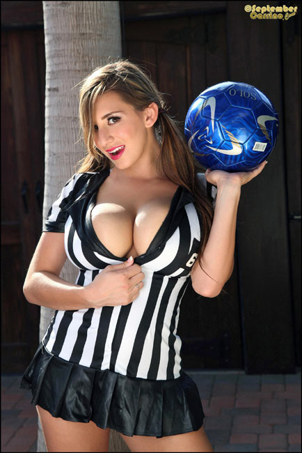 Sexy Referee – new set with 34JJ September Carrino