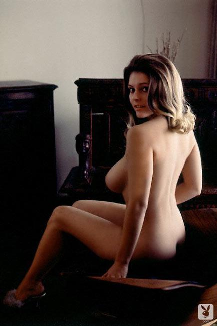 Naked white amateur petite girls