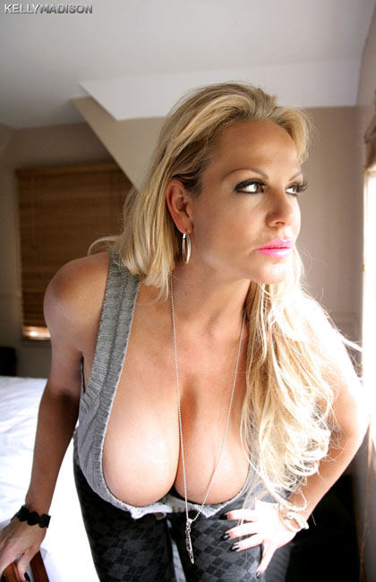 Some new sexy updates of naughty Kelly Madison