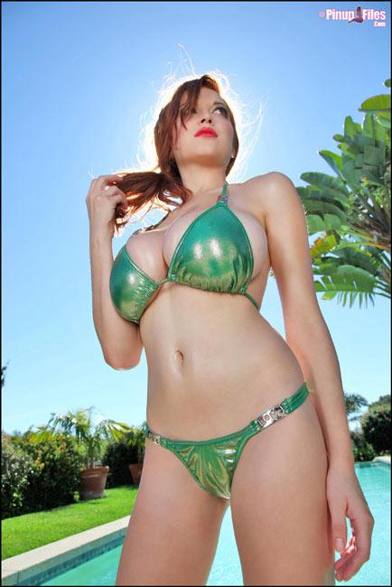 New unique bikini images of super sexy Tessa Fowler