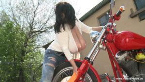 Milena Velba in Bikewash 2014 – new HD video