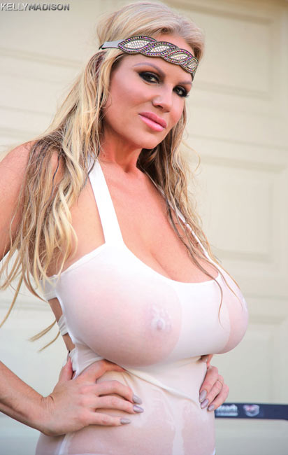Super sexy MILF Kelly Madison in Wet and Oiled