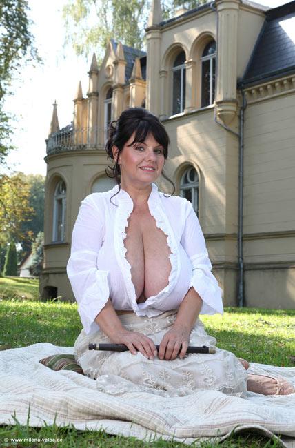 My Castle is my Home – Milena Velba
