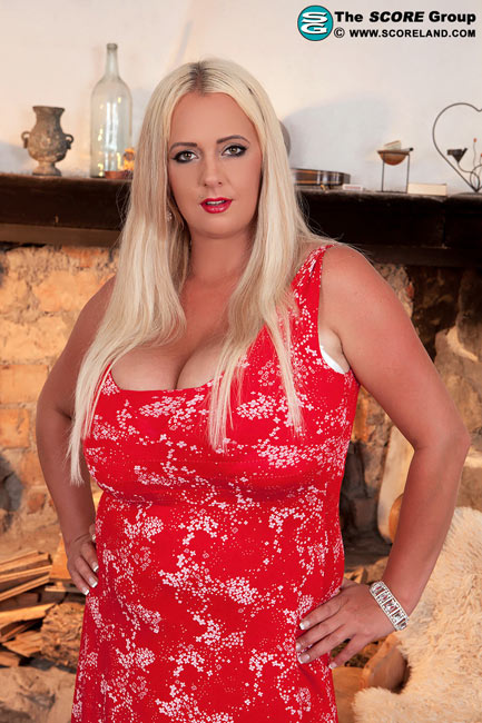 Huge Jugs Of Germany – Emilia Boshe
