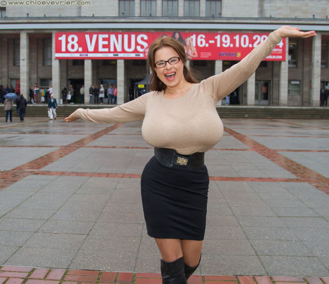 Chloe Vevrier – it's Venus time again!