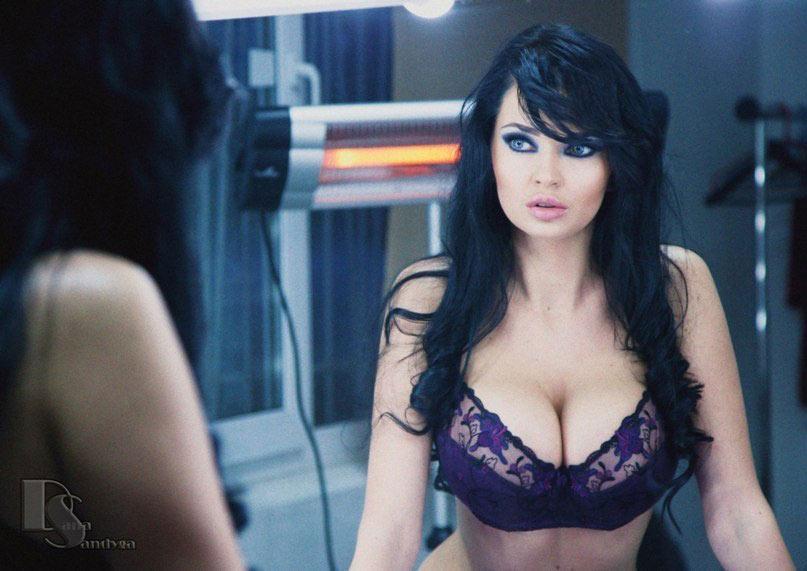 Busty Covergirl – Sha Rizel