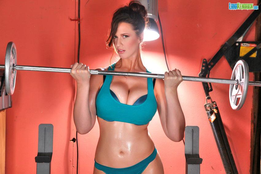 Big Natural Tits Workout