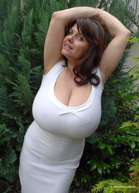 natural velba Busty milena