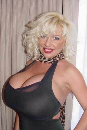 Sarenna Lee – American busty legend