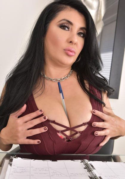 Heavy-breasted Jaylene Rio with debut for DDFB