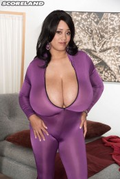 the skin tight suit scoreland