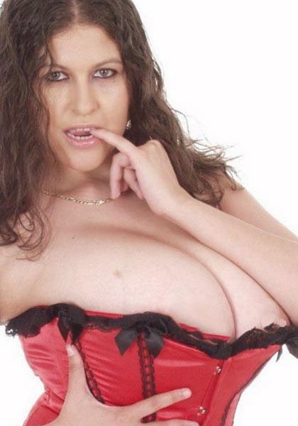 The incredible curvy, stacked and beautiful – Denise Davies
