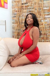 ebony rachel raxxx heavy guns