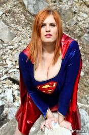 super girl alexsis faye