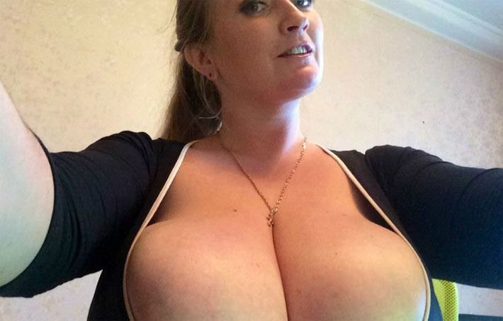Jane BestTits – One of the best webcam babes