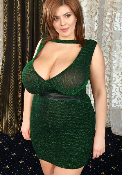 New incredible all-natural discovery Xenia Wood in Bare Breasts In Green Dress