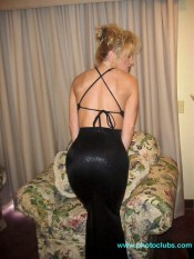 black dress plenty uptopp