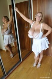 lingerie abbi secraa