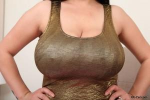 bigboob helen star nipples