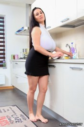 pussyplay in kitchen