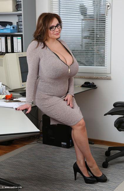 nadine jansen big boobs pullover